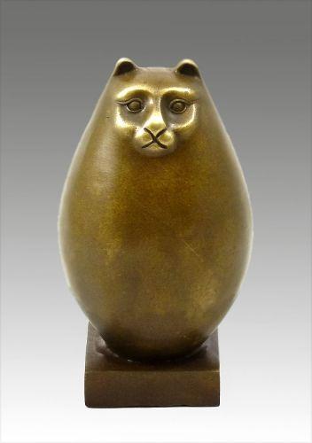 Fernando Botero, cat statue
