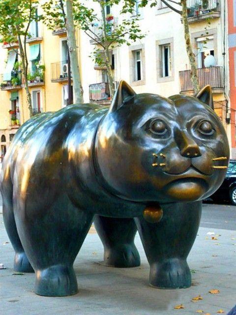 Botero cat statue Barcelona