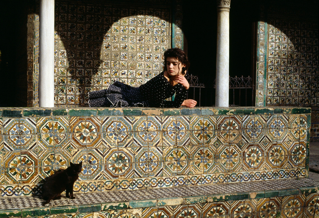 1988, Black Cat and Girl, Ferdinando Scianna