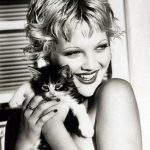 Drew Barrymore and cat, famous cat lovers