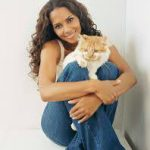 Halle Berry and cat, famous cat lovers