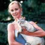 Jessica Lange and cat
