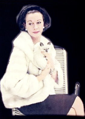 Vivian Leigh with Poo Jones, her cat
