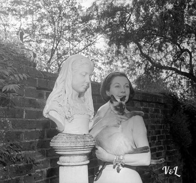 Vivien Leigh with Poo Jones